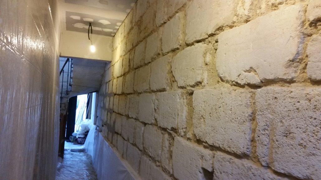 Ravalement -mur-interieur-en-pierre-Bordeaux