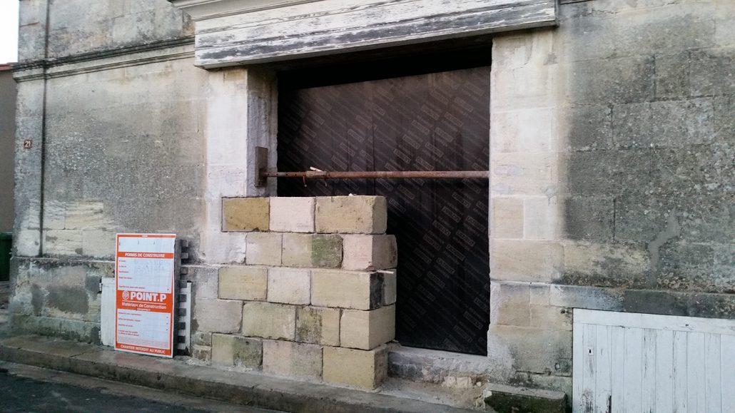 Pose-de-pierres-massives-Saint-seurin-de-Cadourne