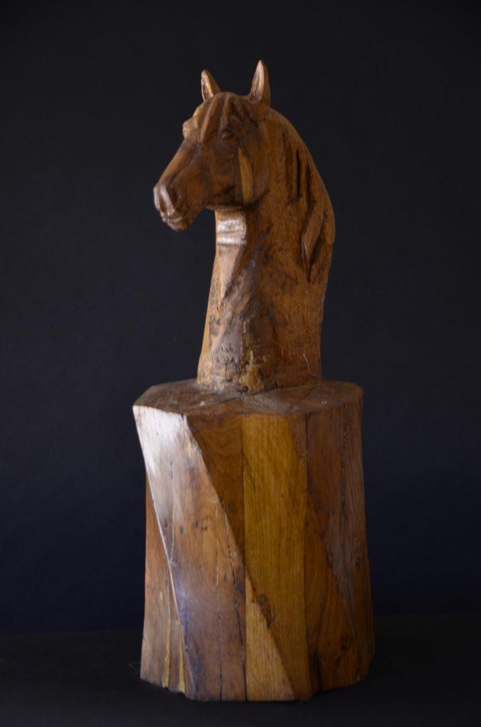 Sculpture-en-bois-chene-cheval