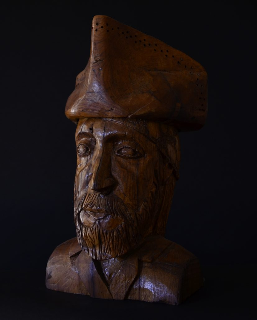 Sculpture-en-bois-chene-pirate