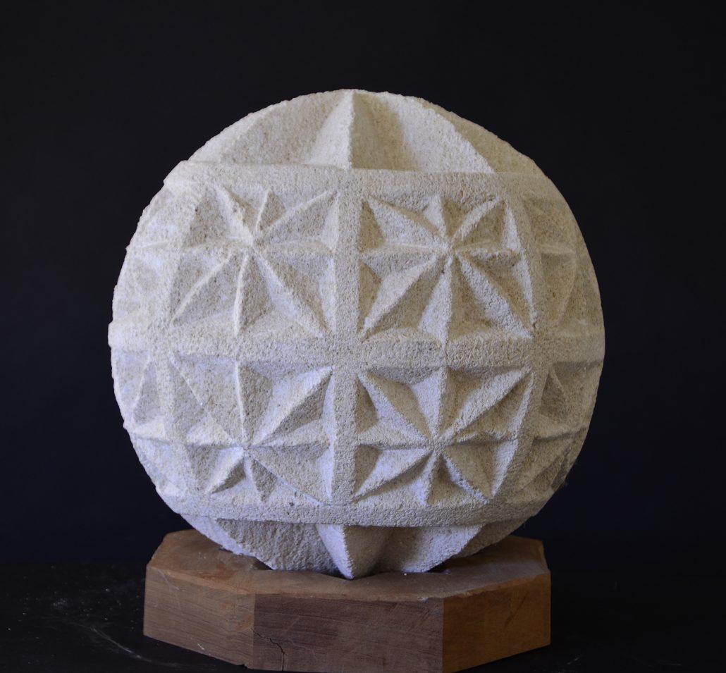 Sculpture-en-pierre-Boulle