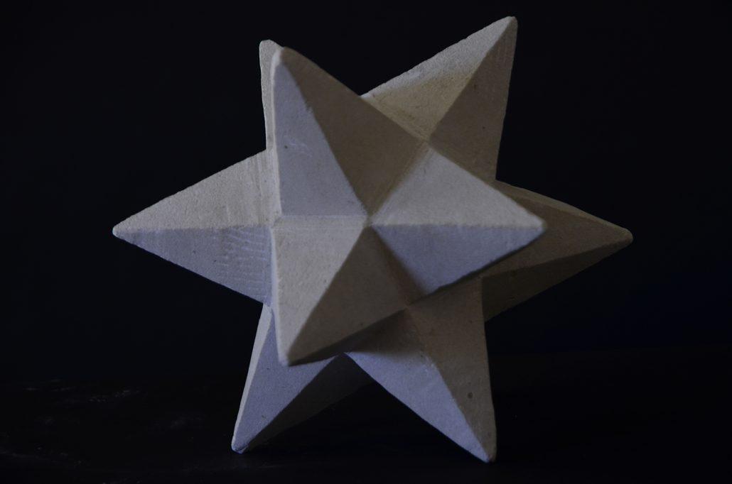 Sculpture-en-pierre-etoile
