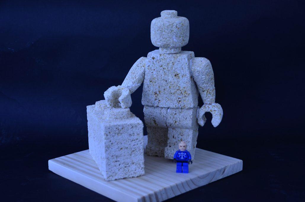 Sculpture-en-pierre-reproduction-jouet
