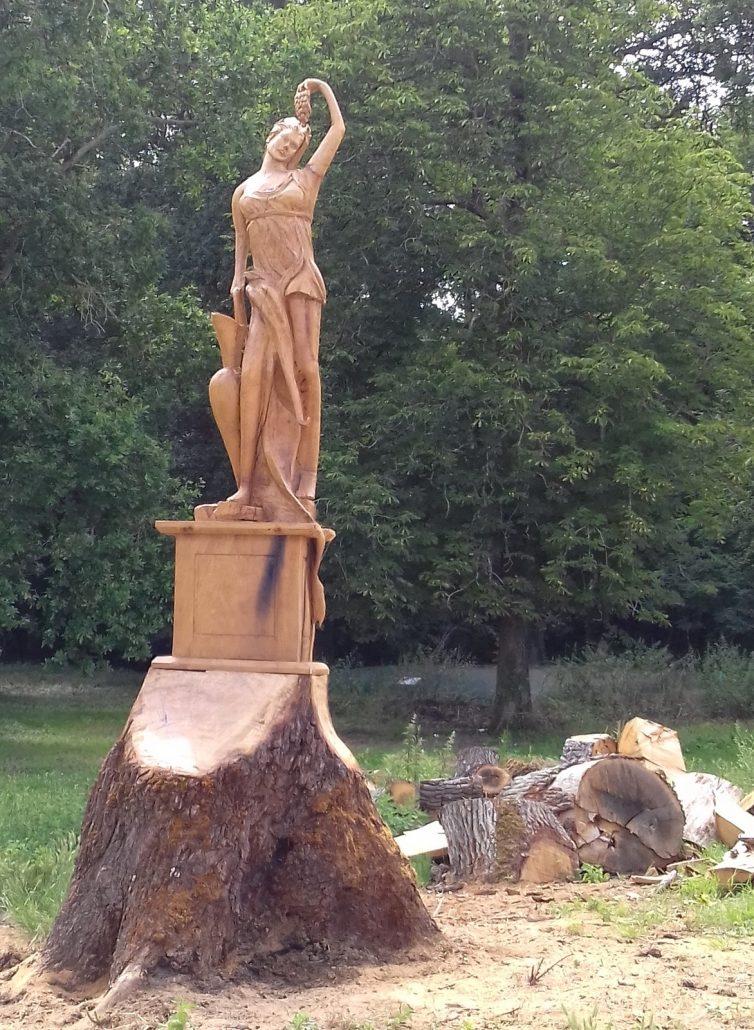 Sculpture-sur-arbre-Chateau-Nouret-CIvrac-Medoc-2