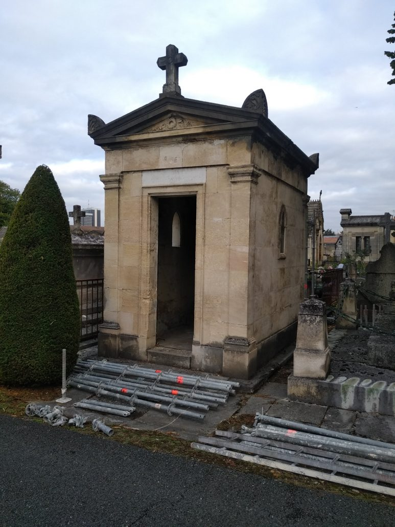 Renovation et entretien de tombe 33